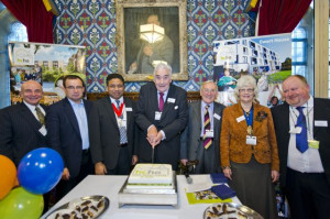 hcha House of Commons 2014_cake cutting